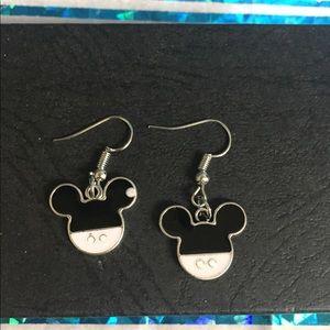 Minnie Mouse dangle earrings